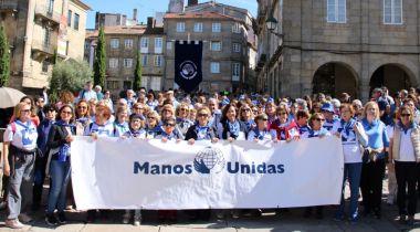 Foto de familia del encuentro compostelano de Manos Unidas por el 60 aniversario. Foto: Alejandro Righi