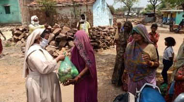 Coronavirus India: Entrega de kits de emergencia. Foro: Manos Unidas/ Servicios sociales de Sagar