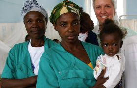 Enfermeras de pediatría de Angola